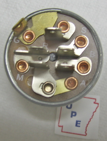 ignition switch same as following oem parts gravely # 18272  noma # 3000687